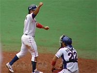 上田真也選手がホームイン